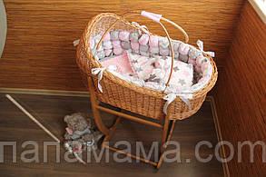 Колыбель из лозы с постельным набором и подставкой-качалкой