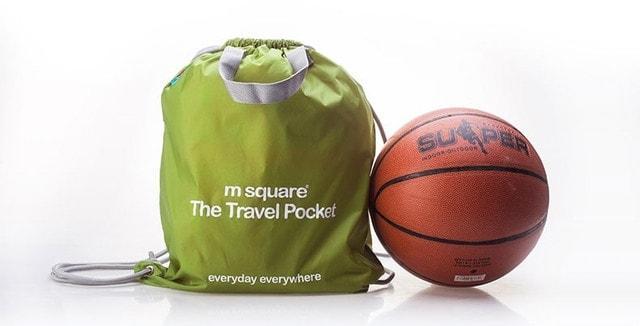 Баскетбольний м'яч і портативна водонепроникна сумка-рюкзак