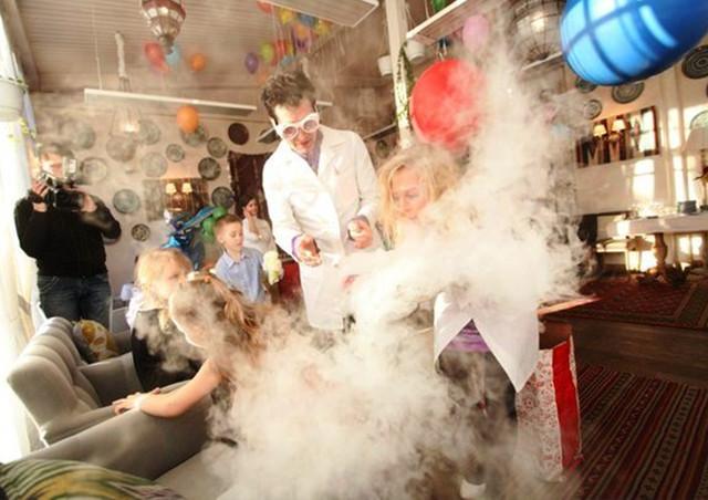 Химическое, научное шоу в Киеве от Квестмании