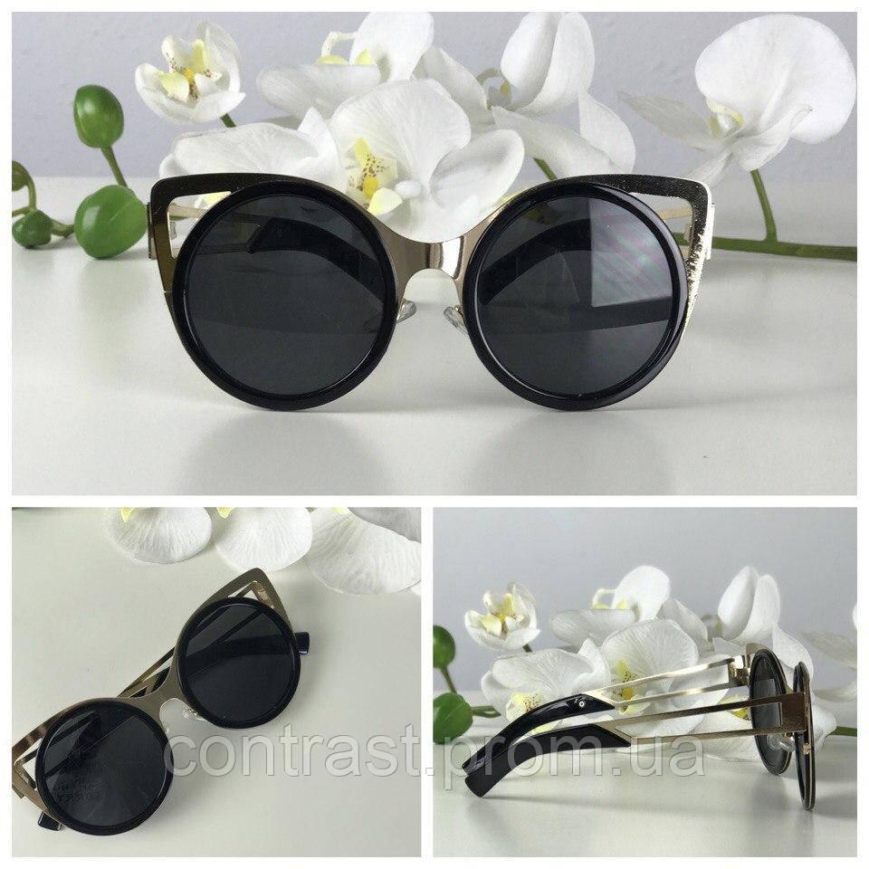 Женственные очки-оверсайз с оправой «кошачий глаз»