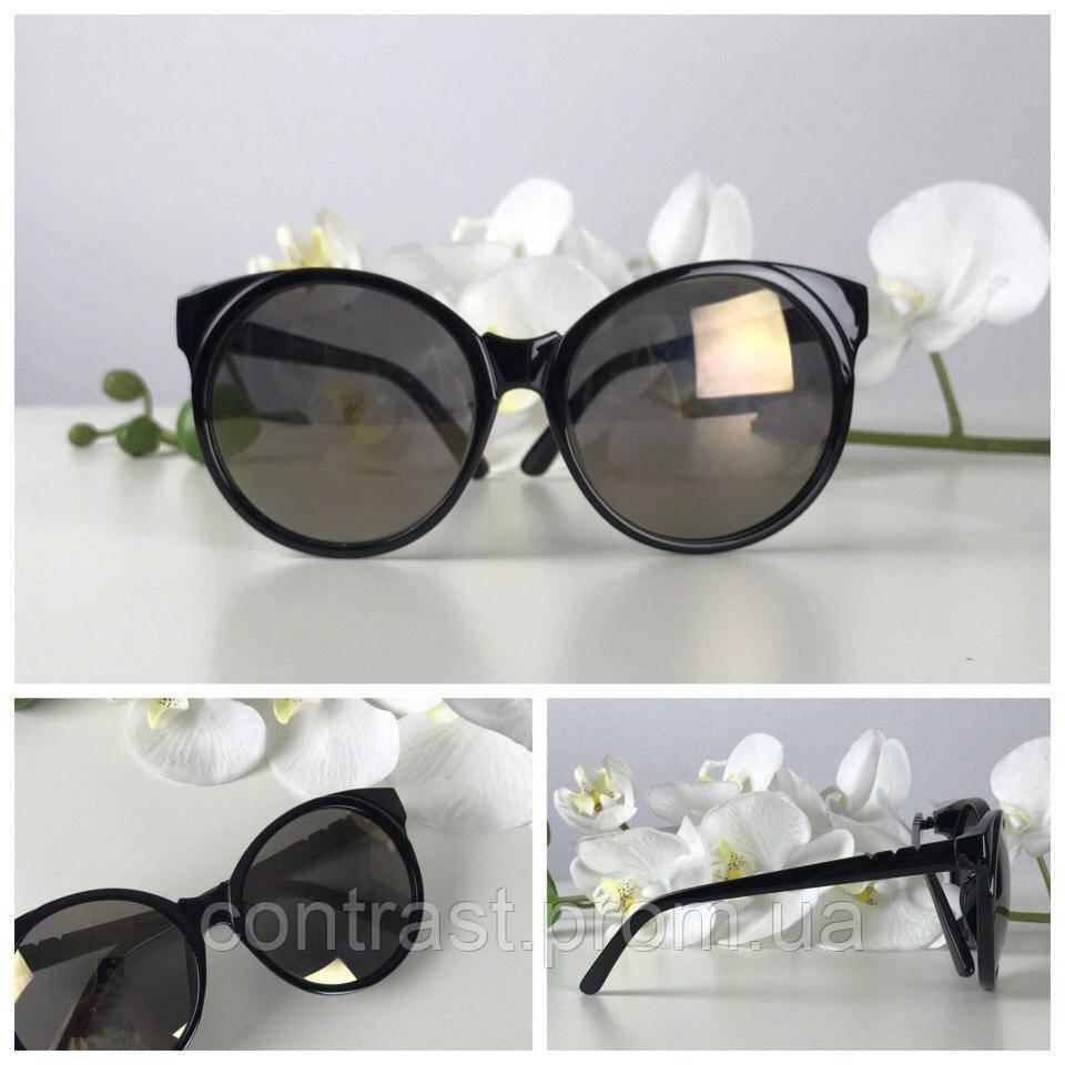 Экстравагантные очки-оверсайз с приподнятыми «уголками»