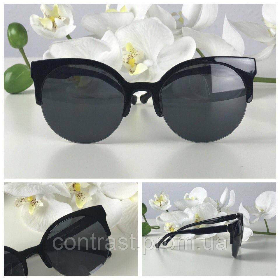 Классические очки-броулайнеры с монохромной оправой