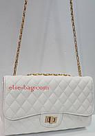 Женская сумка на цепочке  нежно белый