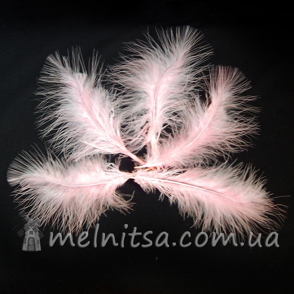 """Перья индейки """"пухнастики"""" 5-8 см, светло-розовый (5 шт)"""