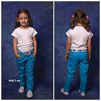 Модельные цветные брюки для девочки
