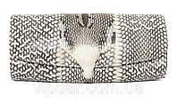 Клатч из кожи кобры с головой змеи
