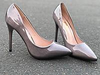 Красивые туфли лодочки на каблуке перламутровые