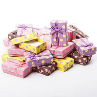 Коробочка подарочная для украшений прямоугольная 5х8х3см