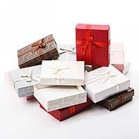 Коробочка подарочная для украшений прямоугольная 7х9х3см - Классика с атласной лентой