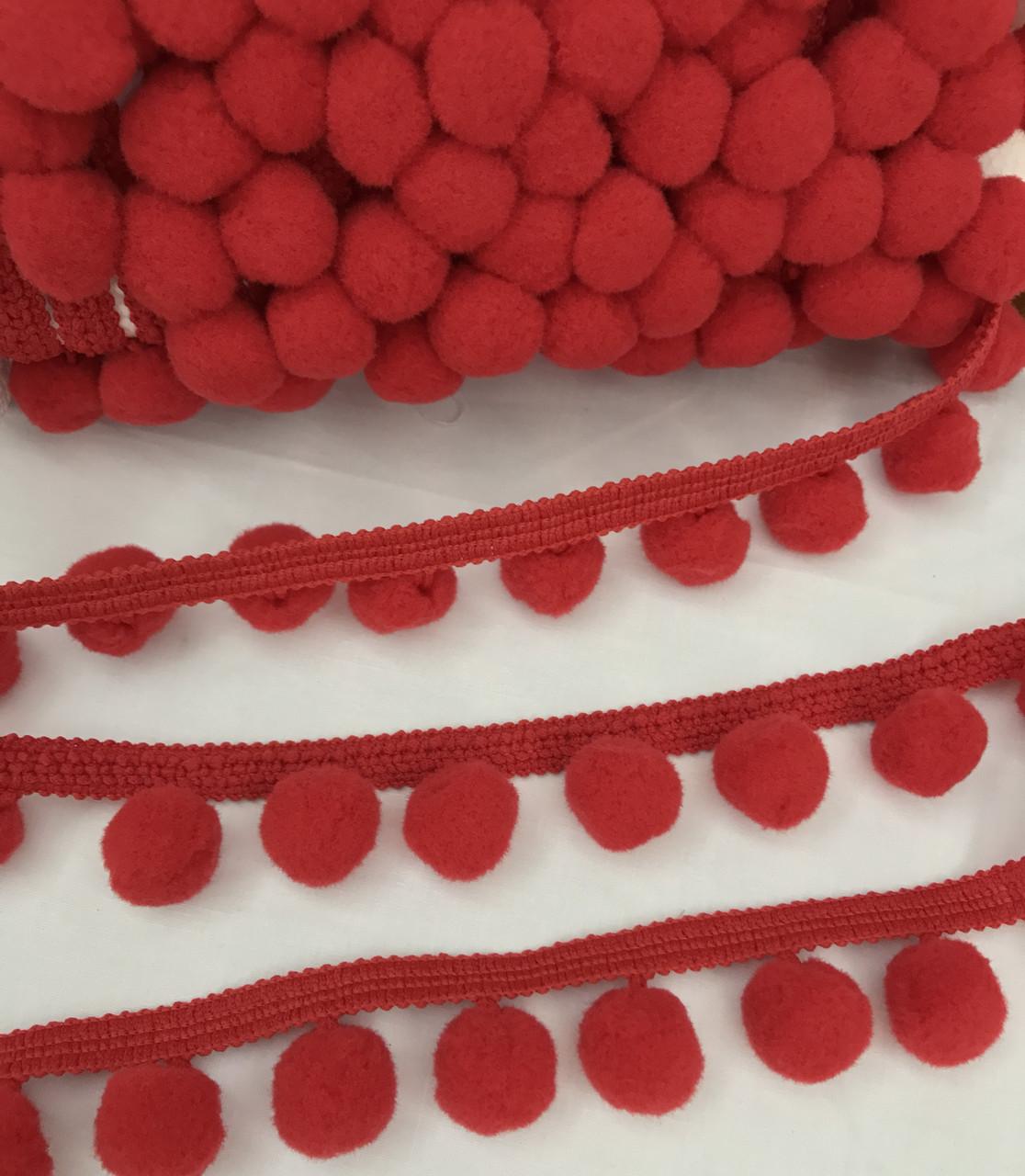 Тесьма с помпонами красная 20 мм