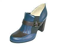 Туфли на резинках с пряжками,высокий каблук
