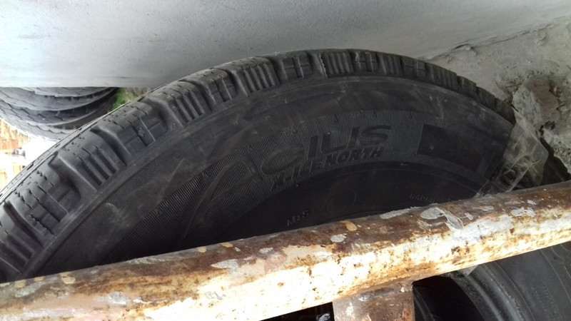 Шины б.у. 225.75.r16с Michelin Agilis X-ice north Мишлен. Резина бу для микроавтобусов. Автошина усиленная.