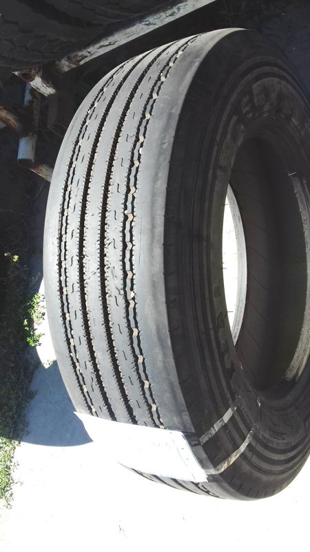 Шины б.у. 215.75.r17.5 Michelin XZA2 Мишлен. Резина бу для грузовиков и автобусов