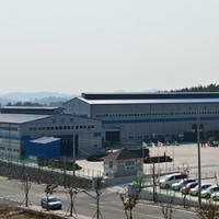 2010 - Расширение штаб-квартиры и складских помещений USCO. - TrackOne представляет китайский филиал TrackOne Куньшань, занимающийся расширением международного присутствия производстваOEMв Китае. - Захватывает весь китайский акционерный капитал KUT и HUALONGв Южной Кореи.