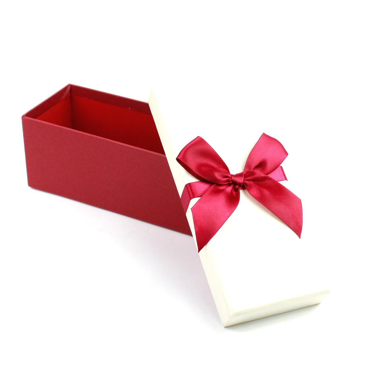 Коробка прямоугольная с бордовым бантом 13х29х13 см