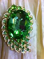 Брошь с большим зеленым  камнем 4.5 см