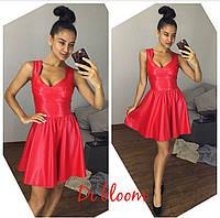 Стильное женское платье из эко кожи  с, красный
