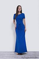 Платье длинное нарядное жеское с брошью и коротким рукавом цвета электрик