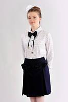 Модная подростковая школьная блузка в сердечках с декоративной бабочкой