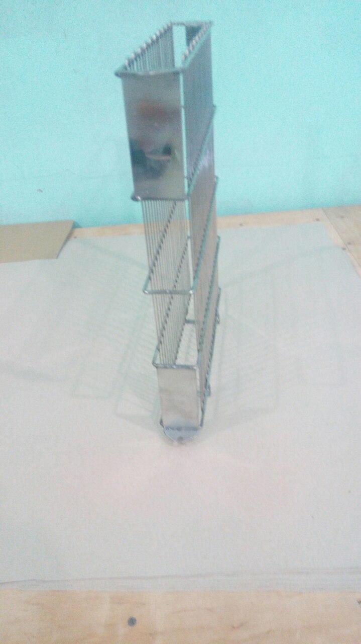 Кассета сварная нержавеющая, боковое крепление на 3-х рамочную медогонку