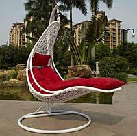 Кресло лежак из ротанга подвесной