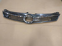 Решетка радиатора Тойота Камри V55