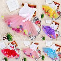 Нарядное платье для девочки из фатина с лепестками роз TUTU