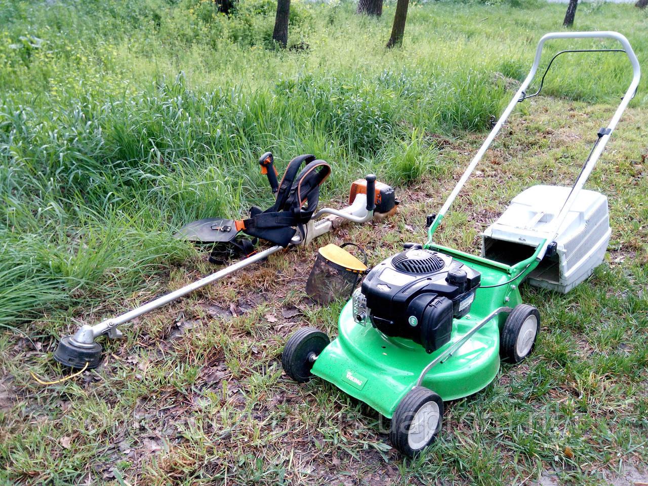 Стрижка Покіс трави газону