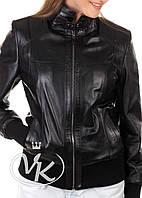 Черная кожаная куртка под резинку