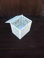 Свадебный сундучок для денег с вензелями . Выполнен из фанеры толщиной 6 мм, размеры 20*25*15 см