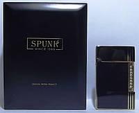 Подарочная кремниевая зажигалка SPUNK в деревянной упаковке