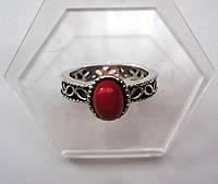 Кольцо женское с красным камнем