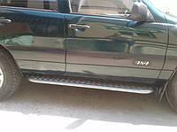 Боковые подножки Chevrolet Niva площадка D42 молотковые