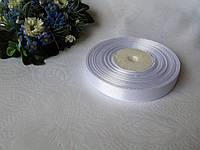 Лента 1,2 атлас однотонная.  Цвет белый. Бобина 18 грн - 33 метра, на метраж 1 грн - метр.