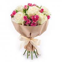 Букет из крупных кремовых и кустовых роз, фото 1