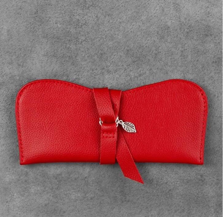 Чехол для очков кожаный красный  (ручная работа)