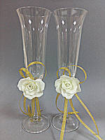 Свадебные бокалы ручной работы с цветком