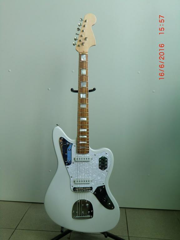 Реплика Fender Jaguar