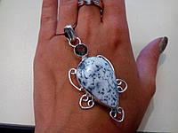 Кулон с натуральным камнем дендритовый опал+дымчатый кварц в серебре.