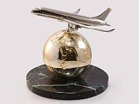 Статуэтка Самолет над земным шаром золото натуральный камень