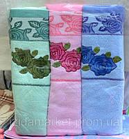 Махровое полотенце для лица - с розами вышитыми
