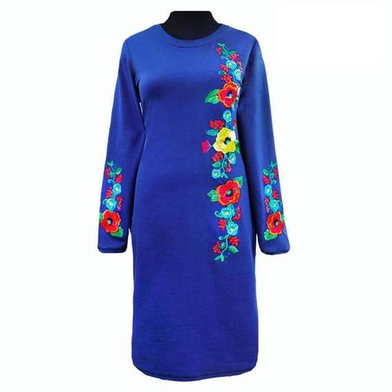 Платье вышитое с длинным рукавом