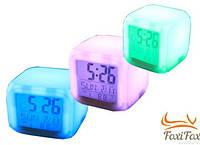 Часы с термометром с разноцветной подсветкой