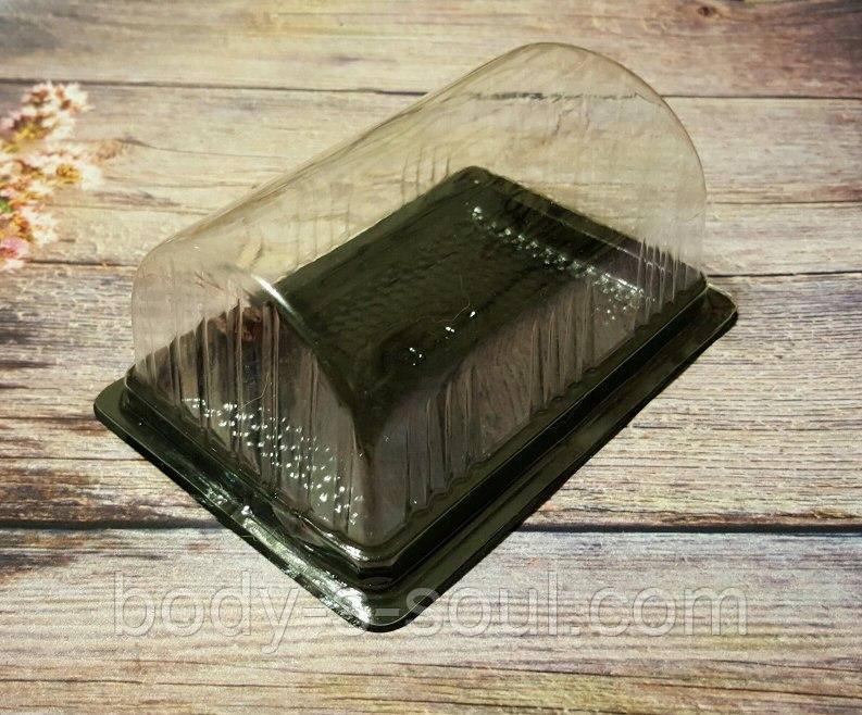 Треугольная  коробочка с прозрачной крышкой из пищевого пластика