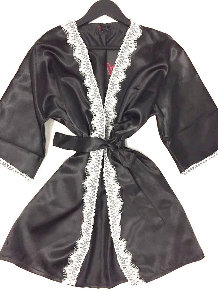 Домашний женский халат, атлас с кружевом.