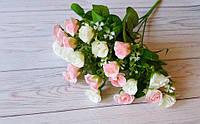 Букет белорозовых роз