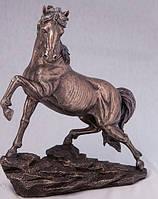 """Статуэтка """"Конь на скале"""" 31см"""