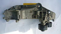 Кронштейн (плита) крепления генератора Renault Master / Movano FWD 2.3dci 10> (OE RENAULT 117103703R)
