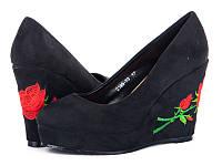 Женская обувь.Туфли на танкетке с вышивкой оптом от производителя Башили 2395-F3 (6пар 35-40)