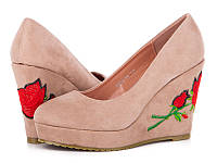 Женская обувь.Туфли на танкетке с вышивкой оптом от производителя Башили 2395-F5 (6пар 35-40)